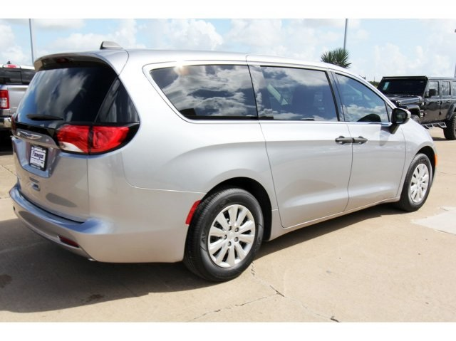 New 2020 CHRYSLER Voyager L