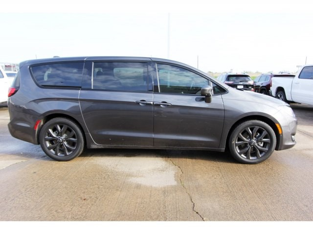 Pre-Owned 2019 Chrysler Pacifica Touring Plus